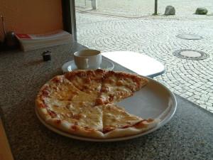 特別有名なピザ屋ではないが、見た通り、おいしいピザだった。